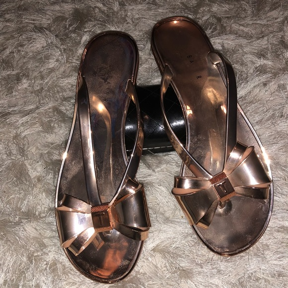65a09d9cd1b6 Ted Baker Rose gold Bow Flip Flops size 38. M 5b4f5f8a8869f7a0a8d4850f